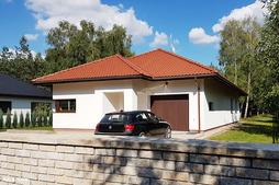 Thumb dom w cyprysikach 001